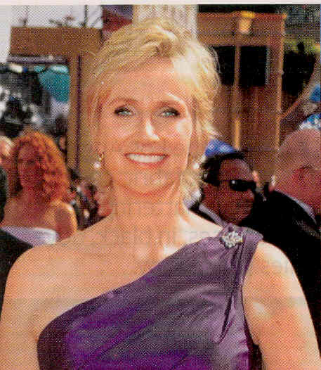 Jane Lynch Emmys Kudos to wwwpmcaregiverscom where I found this image.
