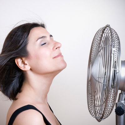 fan-woman-heat