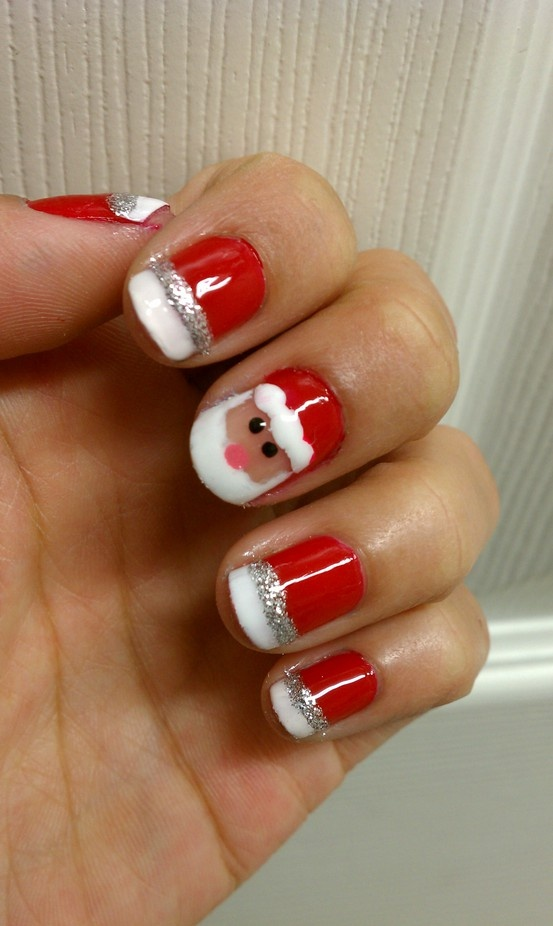 Christmas Manicures – 8 Red Green Nail Treatments