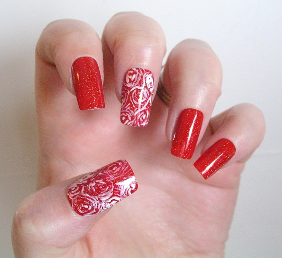 Valentine-Manicure-Red-Swirls