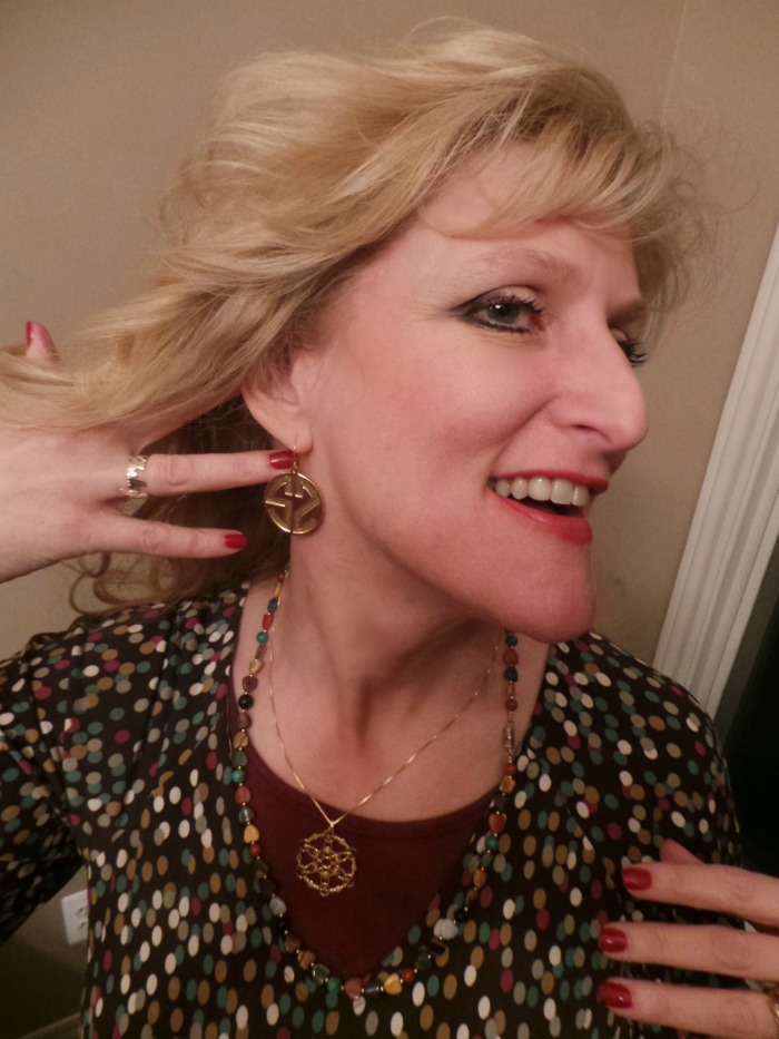For this Onecklace Giveaway, the Chief Blonde was given review samples ...