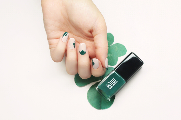St. Patrick's Day Nail Art Saint Patrick's Day Manicures Clover Nails