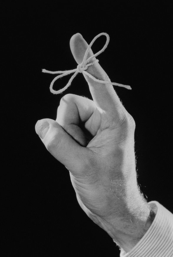 finger with string reminder