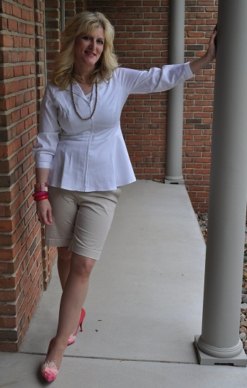 Neons+Neutrals Outfits Fashion Modeled by Women over 45