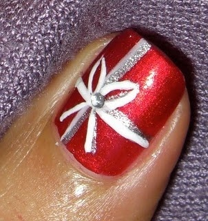 Christmas Package Bow Manicure Nail Treatment