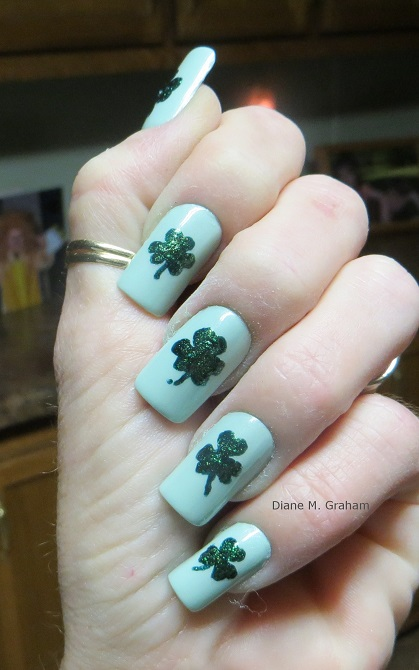 St Patricks day Manicure Simple Shamrocks