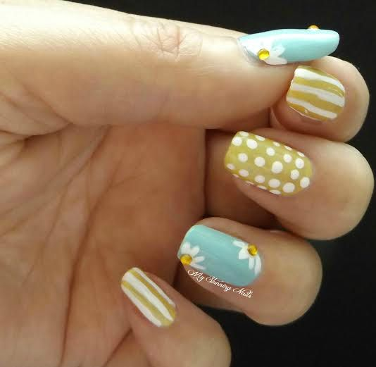 Daisies Summer Manicures