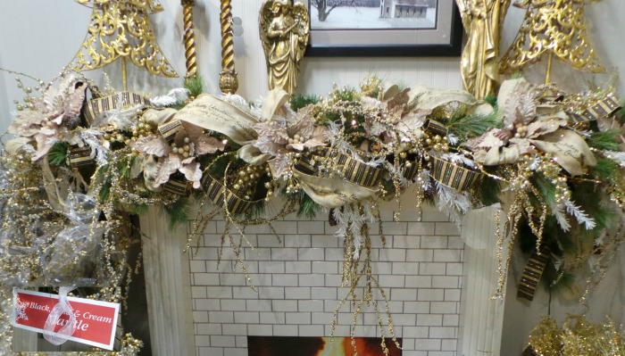 Christmas fireplace Ideas black and gold Mantel